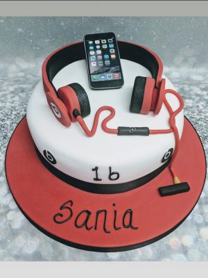 headphones cake|I Phone cake