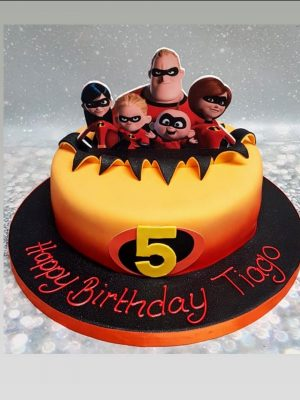 incredibles cake|birthday cake birmingham|dream cake